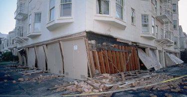 Deprem Sırasında Nasıl Davranmak Gerekli?