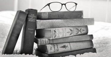 Kitapsız Büyüyen Çocuk Susuz Yetişen Ağaca Benzer