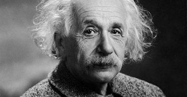 Albert Einstein, Hayatı ve Buluşları