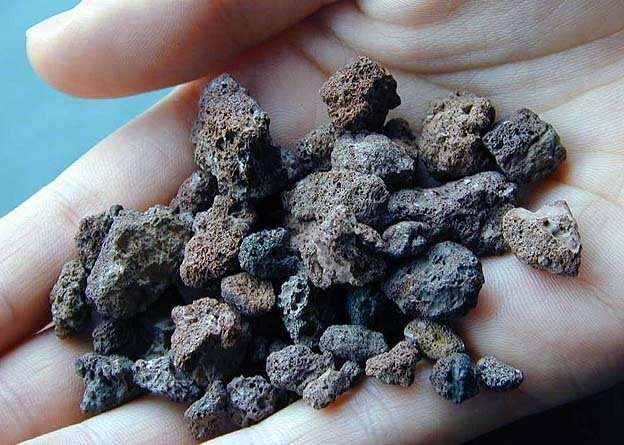 Obsidyen-Perlit-Pekştayn-Bimştayn-Tüf-Aglomera-Breş Nedir? 5 – lapilli