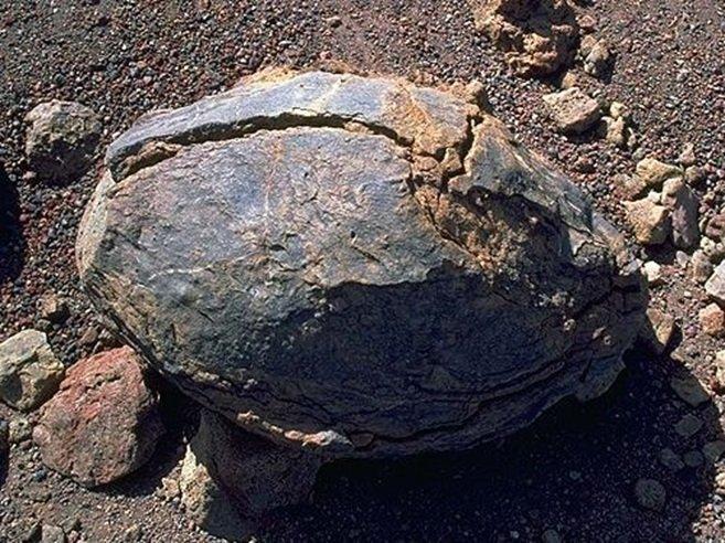 Obsidyen-Perlit-Pekştayn-Bimştayn-Tüf-Aglomera-Breş Nedir? 4 – volkan bombası